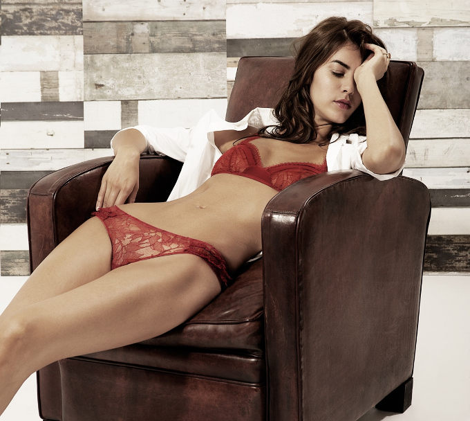 Lingerie Madame Aime in sale on Full Disclosure