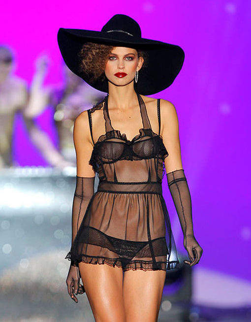 Andres Sarda Fall / Winter 2014 2015