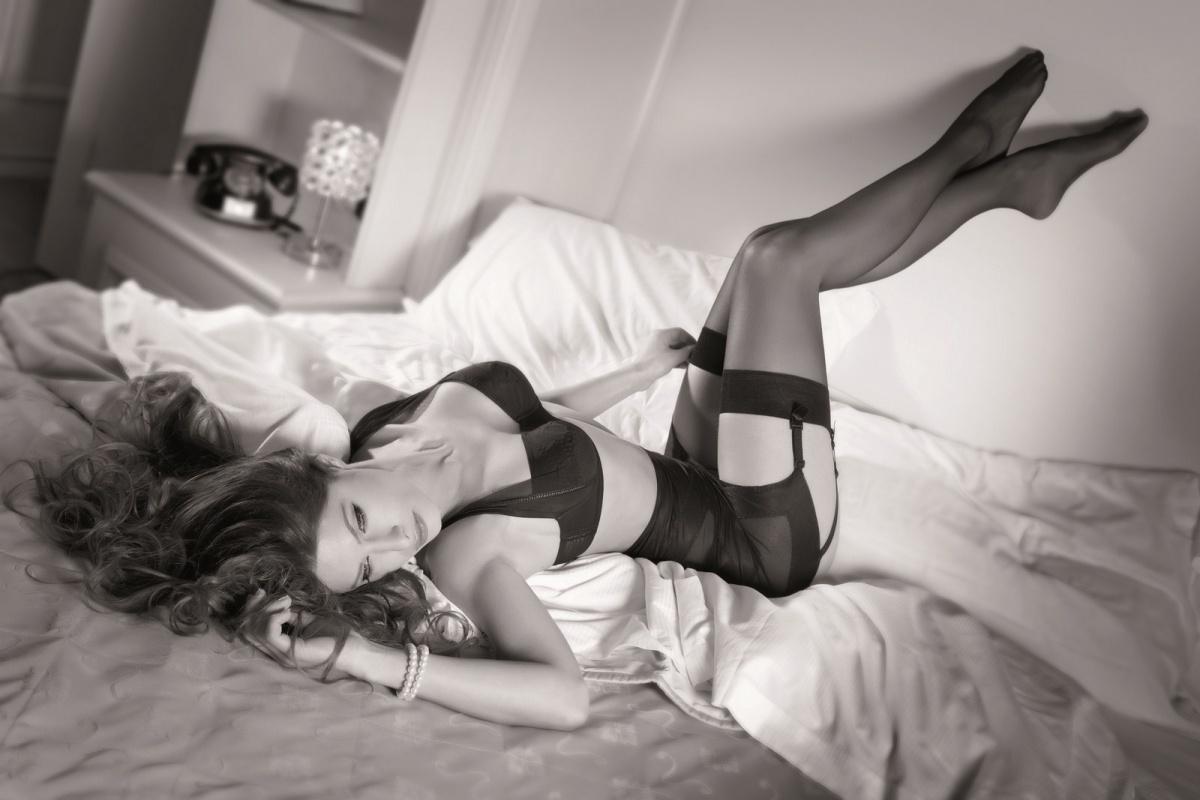 Секс с привязанной девушкой на дому, Порно видео онлайн: ДомашнееБондаж и связывание 7 фотография