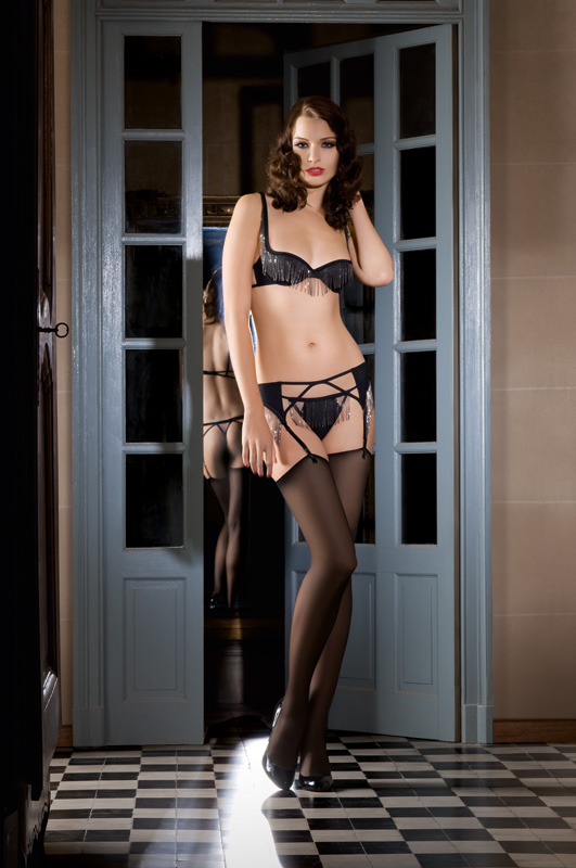 20 off on maison close lingerie on pleasurements for Maison close