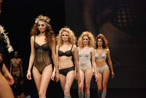 catwalk salon de la lingerie 2011