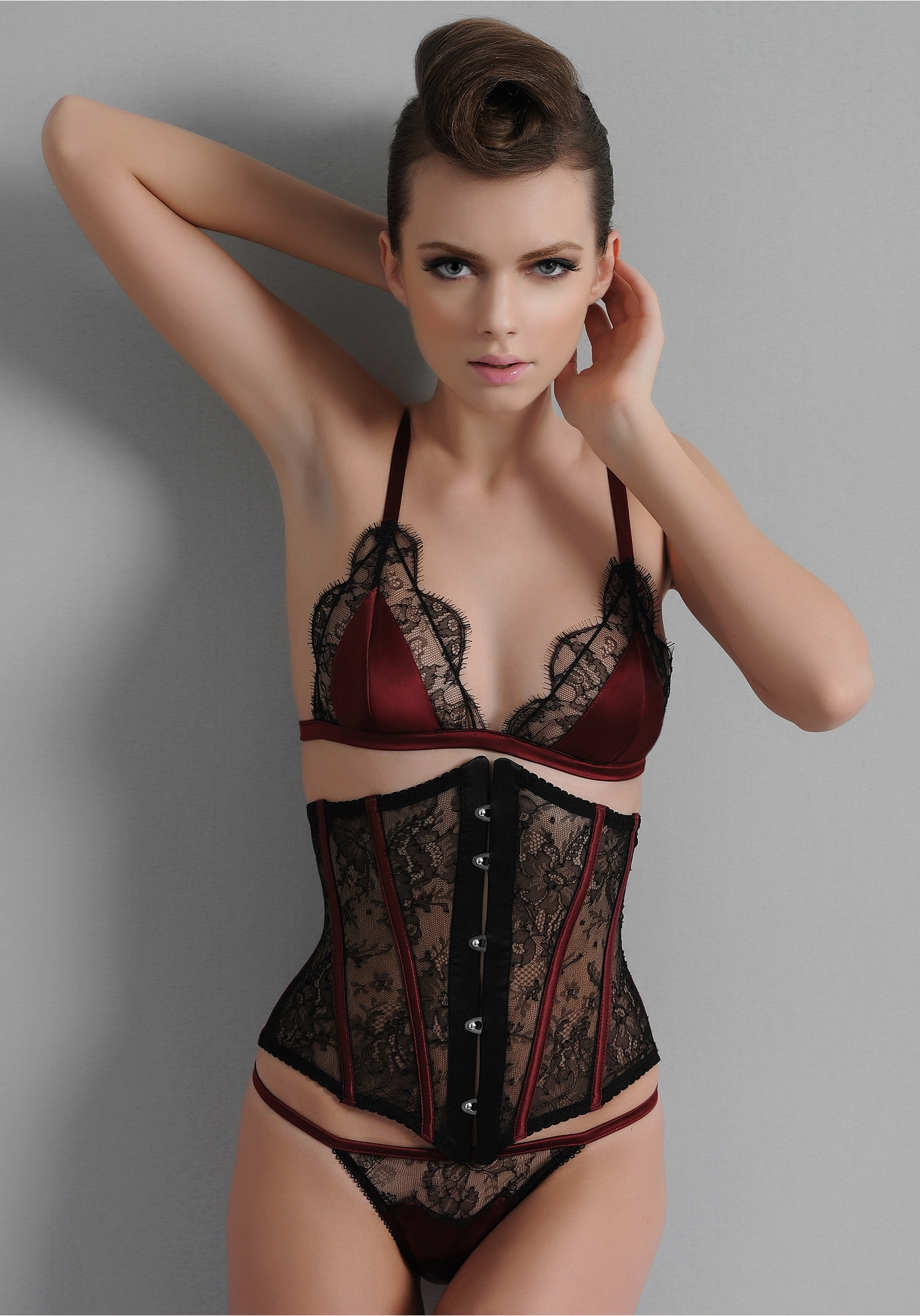 Christmas lingerie ix the sarrieri diamonds for Hot images blog