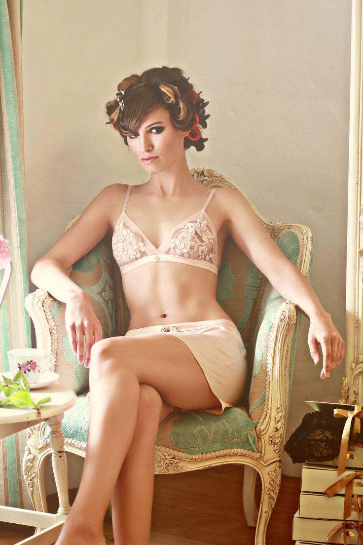 shell belle couture : marvelous novelties lingerie & beach